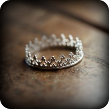 want a crown ring so bad