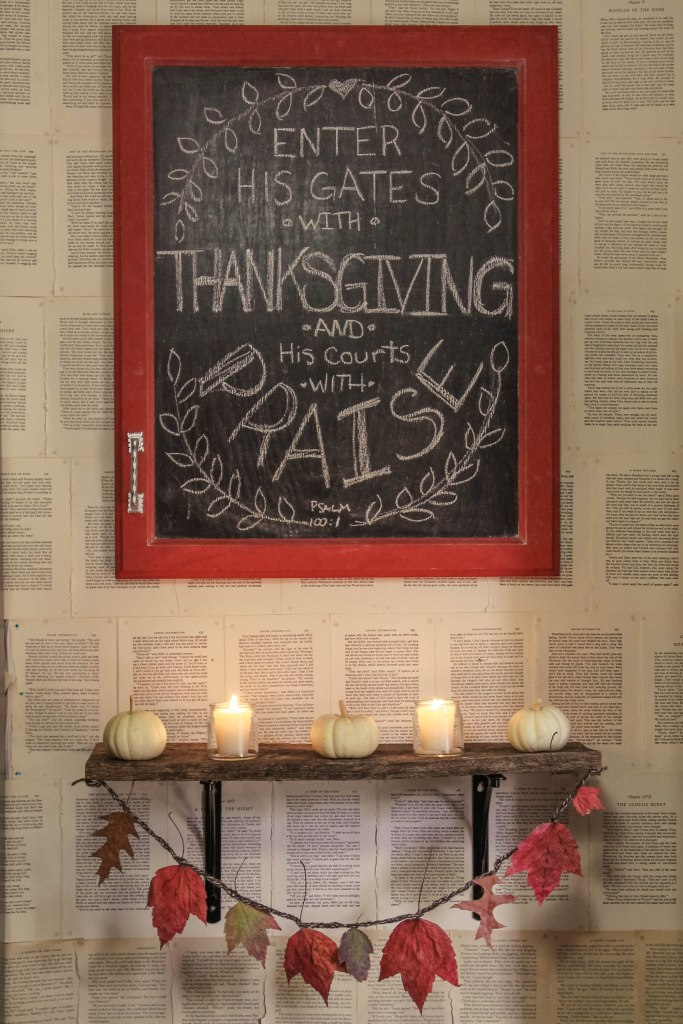 Click here for my Thanksgiving Home Tour.